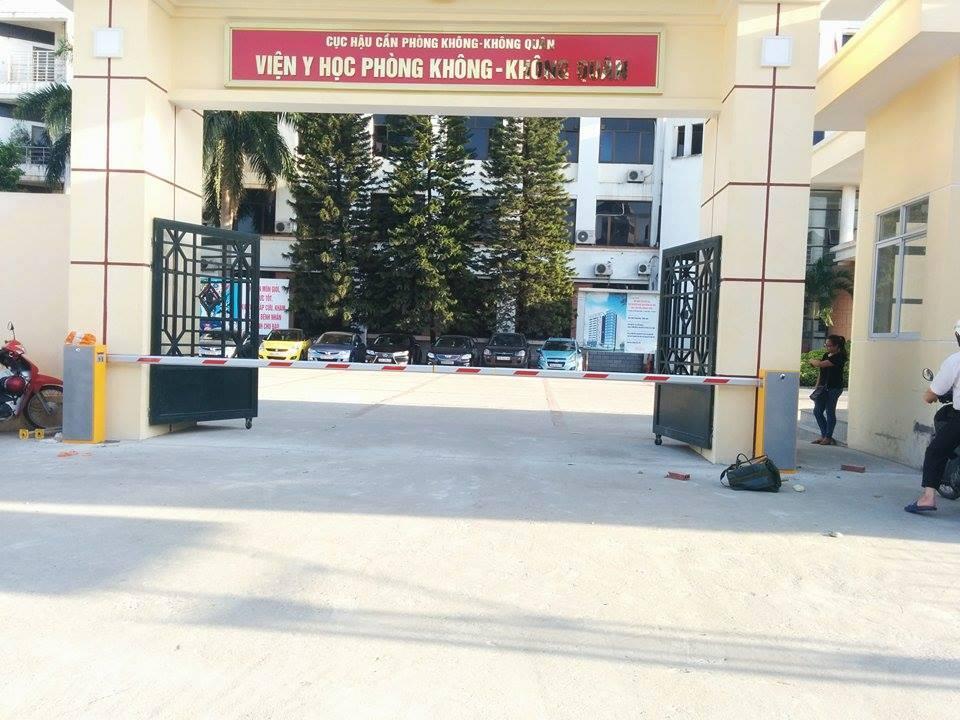 Các loại thanh chắn barrier tự động sử dụng cho cổng bệnh viện