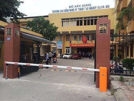 Lắp đặt barrier tự động cần thẳng tại cổng trường học