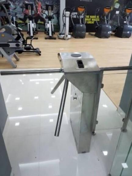 giải pháp quản lý phòng gym từ xa bằng cổng xoay ba chấu