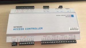 bộ điều khiển trung tâm hệ thống bãi xe thông minh